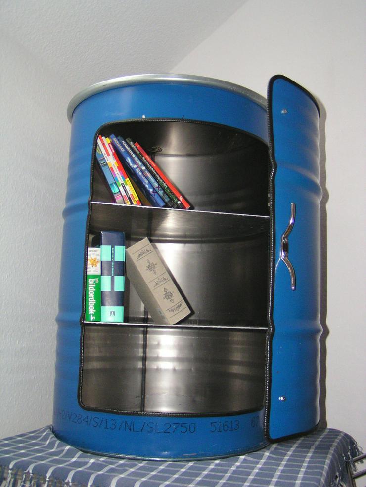 Bild 4: Designer Schrank aus 200 Liter Ölfass Blau us