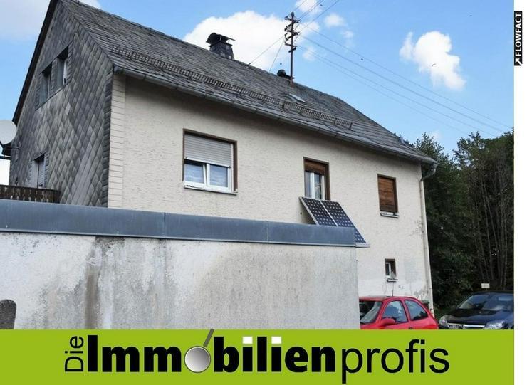 Renovierungsbedürftiges 1-2 Familienhaus mit Garten und Garage in Helmbrechts - Haus kaufen - Bild 1