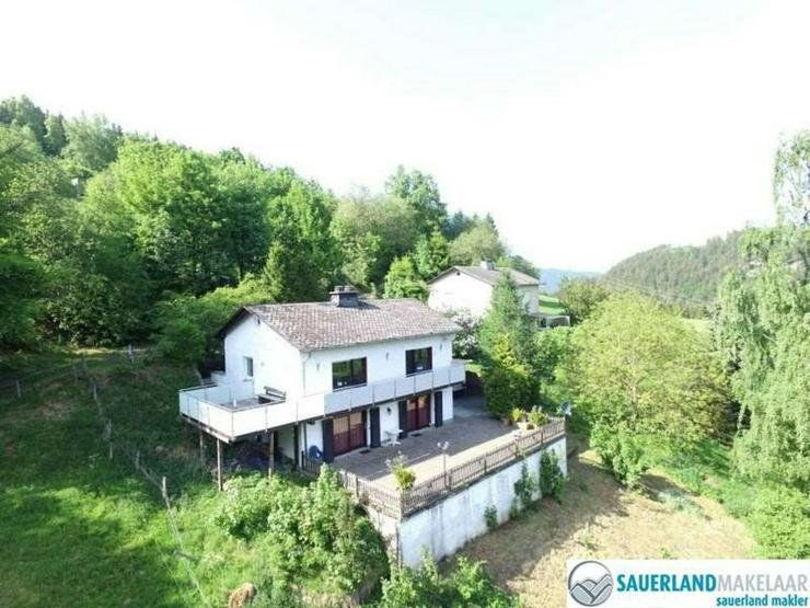wunderschön gelegene Wohnung mit Panoramaussicht in Schwalefeld