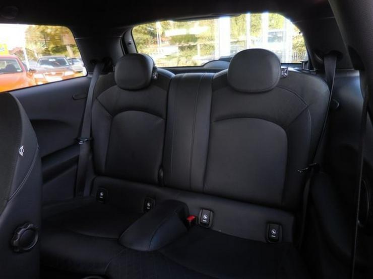 Bild 5: MINI Cooper S Klimaaut NAVI Leder Sitzhz H/K LED PDC