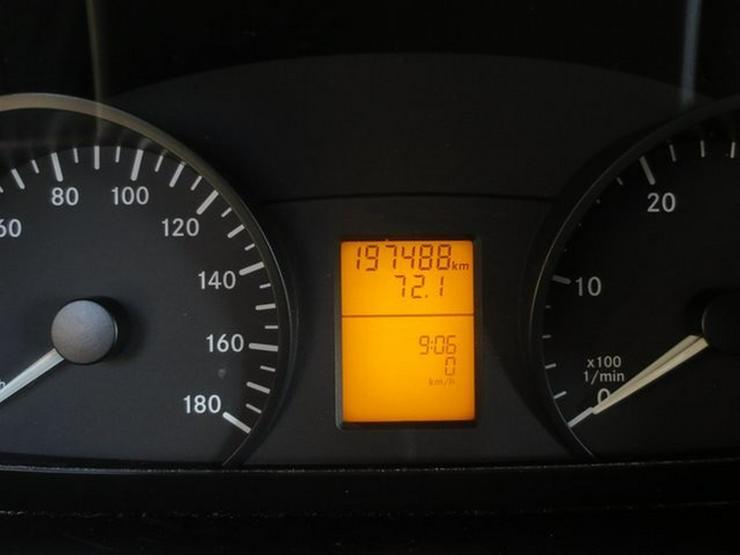 Bild 6: MERCEDES-BENZ Sprinter II Kasten 310 CDI hoch lang 3 Sitzer