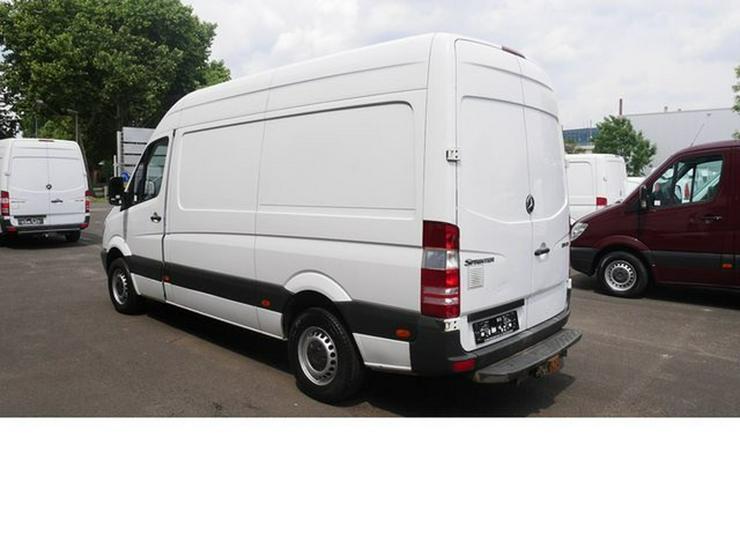 Bild 2: MERCEDES-BENZ Sprinter II Kasten 310 CDI hoch lang 3 Sitzer