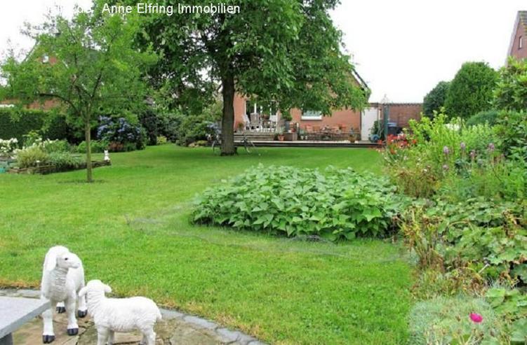 Bild 5: Freistehendes Einfamilienhaus mit großem Garten