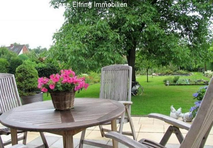 Bild 2: Freistehendes Einfamilienhaus mit großem Garten