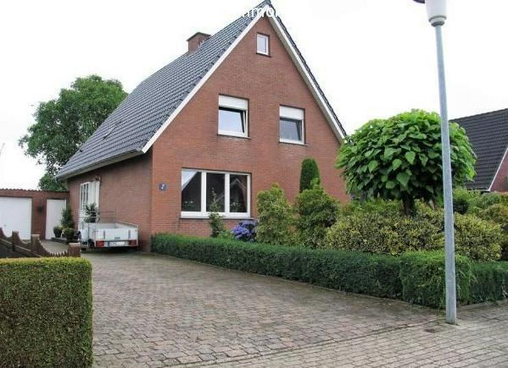 Bild 3: Freistehendes Einfamilienhaus mit großem Garten