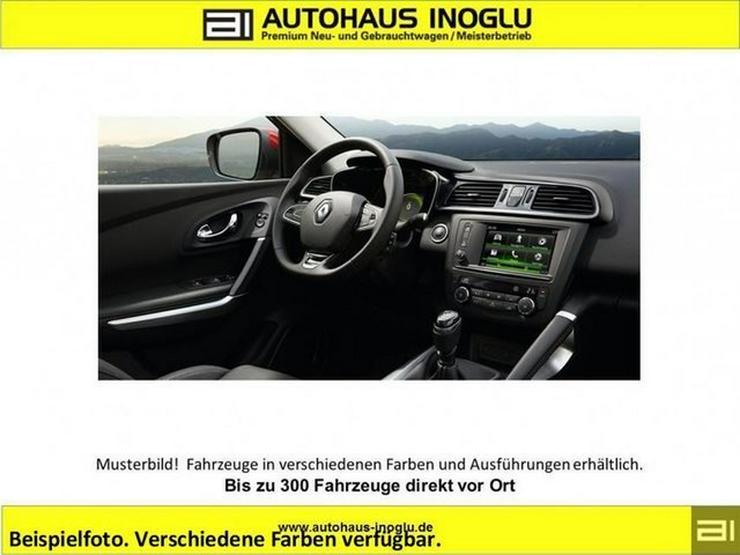 Bild 2: RENAULT Kadjar dCi130 4wd Leder e.sitze Klimaauto Navi P.dach P.Assist Safty.P alu19 s.hzg K.Card Pr