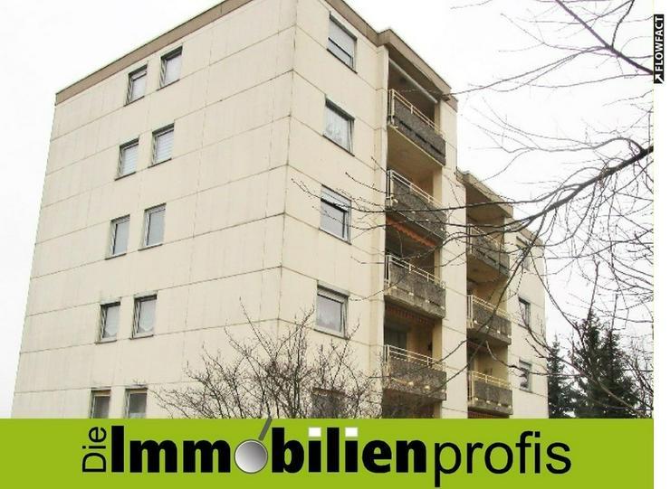 Hoch oben: 4 Zimmer-Eigentumswohnung mit Aufzug und Garage in Selbitz