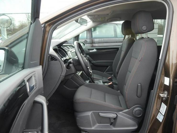 Bild 4: VW Touran 2.0 TDI DPF SCR SOUND * BMT * ACC * NAVI * PARK ASSIST * SHZG * TEMPOMAT * 17 ZOLL