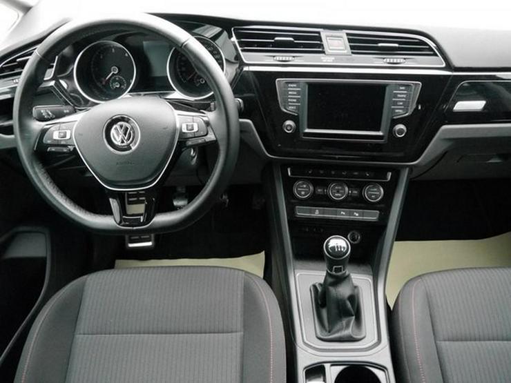 Bild 6: VW Touran 2.0 TDI DPF SCR SOUND * BMT * ACC * NAVI * PARK ASSIST * SHZG * TEMPOMAT * 17 ZOLL