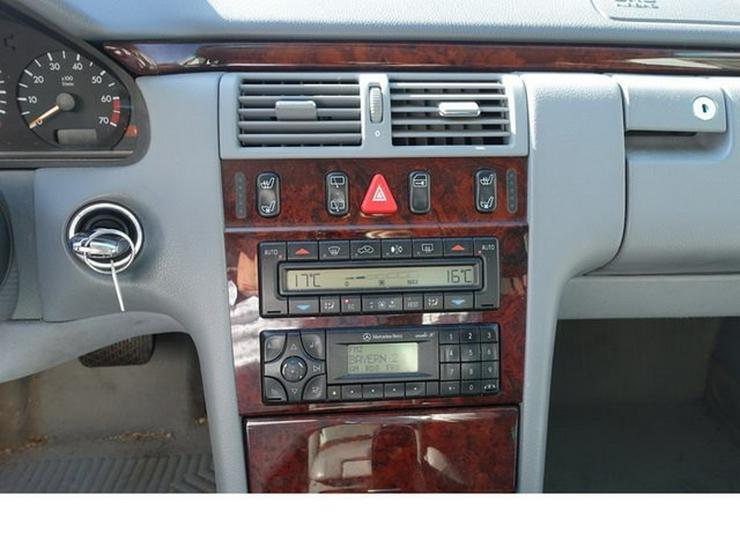 Bild 13: MERCEDES-BENZ E 320 T-Modell Elegance Automatik Leder Alu WR § 9/20