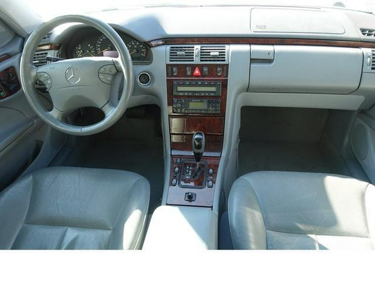 Bild 8: MERCEDES-BENZ E 320 T-Modell Elegance Automatik Leder Alu WR § 9/20