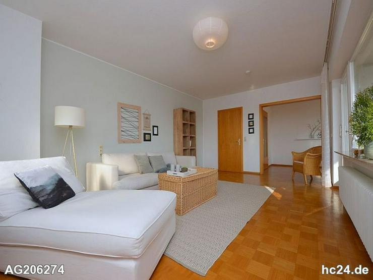 Wunderschön möblierte Wohnung mit zwei Balkonen und Blick auf die Schwäbische Alb in