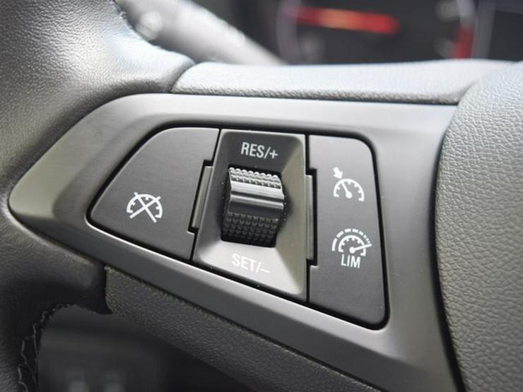 Bild 19: OPEL Zafira 1.4 T S&S Navi 4.0 IntelliLink/Cam Klimaauto. Alu17 Temp PDC OnStar NSW 7 Sitzer