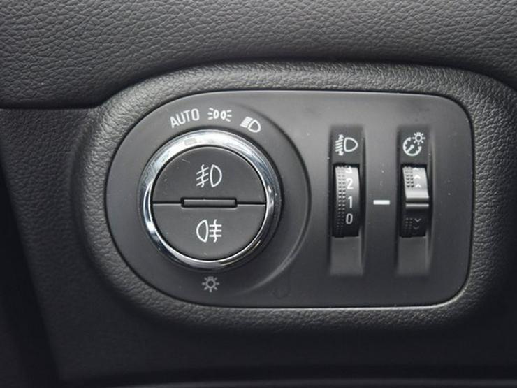 Bild 21: OPEL Zafira 1.4 T S&S Navi 4.0 IntelliLink/Cam Klimaauto. Alu17 Temp PDC OnStar NSW 7 Sitzer
