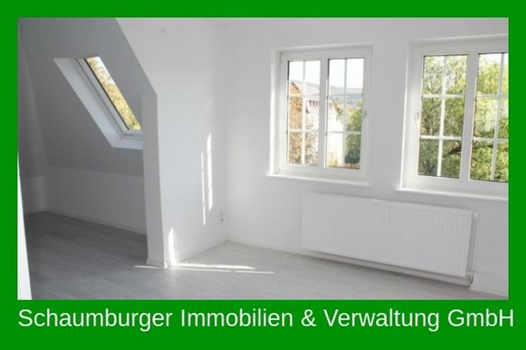 Helle, geräumige, frisch renovierte Dachgeschosswohnung