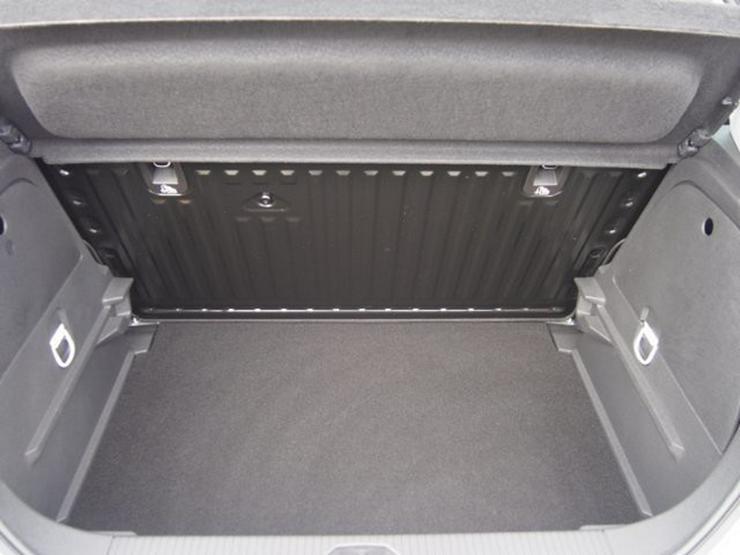 Bild 6: OPEL Corsa E 1.2 Selection R4.0 Intelli USB TEL BT