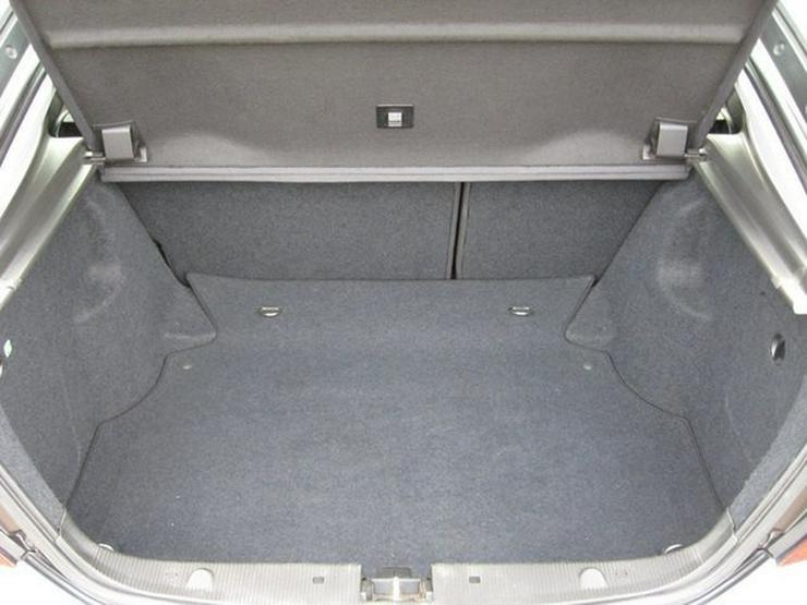 Bild 4: MERCEDES-BENZ C 200 C-Klasse Sportcoupe Kompr. Panorama Navi