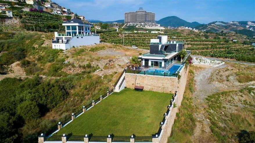 Luxuriöse 7 Zimmer - Villa mit Meerblick