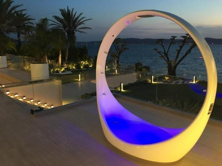 Bild 3: Traum-Designervilla - direkt am Meer gelegen - einmalig