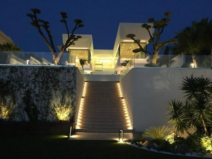Bild 6: Traum-Designervilla - direkt am Meer gelegen - einmalig