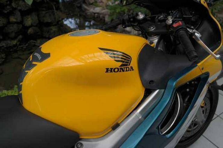 Bild 5: HONDA CBR 600 F PC35