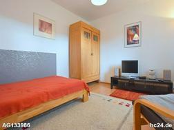 Sehr gemütliche, liebevoll möblierte Wohnung mit Balkon in Esslingen