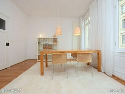 Wunderschöne, stilvoll möblierte Wohnung mit Balkon in Stuttgart West