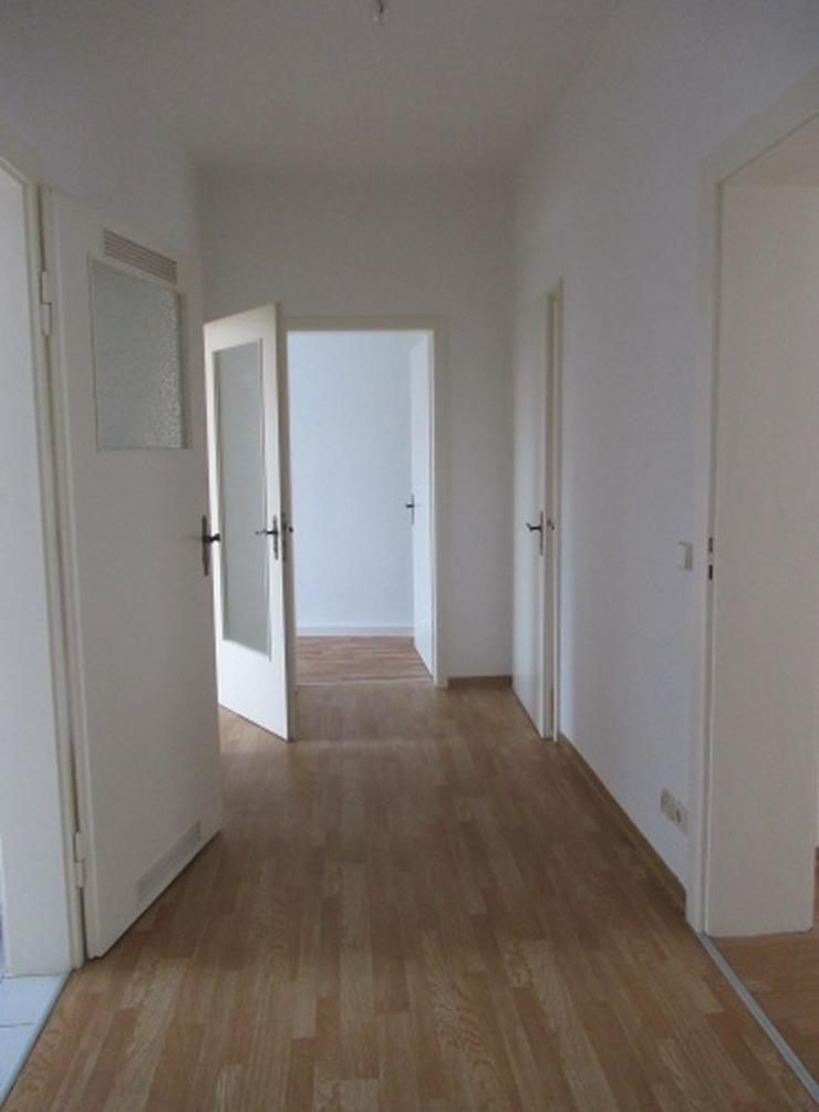 Bild 3: Kleine 3-Raum-Wohnung - zentral gelegen!