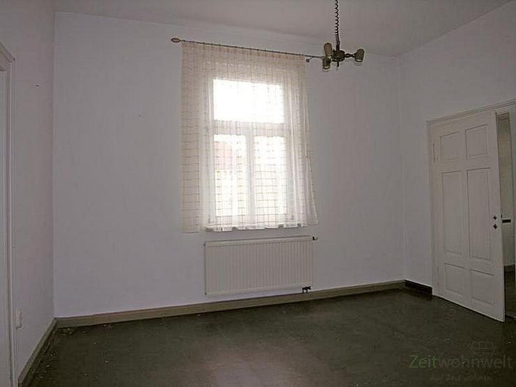 Bild 3: (12534_05) MGN: teilsanierte 4-Raum-Wohnung mit Balkon im 2. OG eines Mehrfamilienhauses i...