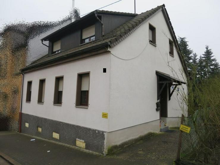 PROVISIONSFREI! Einfamilienhaus mit Anbau und Doppelgarage in zentrumsnaher Lage von Sulzb...