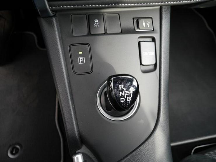 Bild 6: TOYOTA Auris 1,8 Hybrid Style Selection