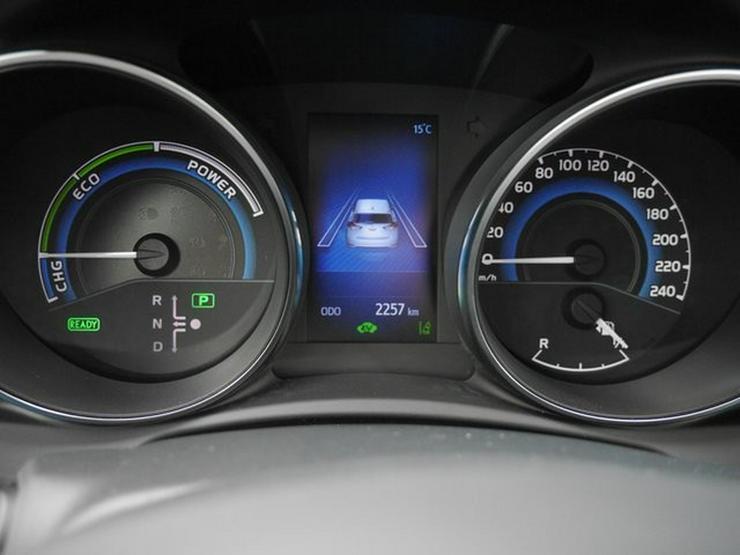 Bild 4: TOYOTA Auris 1,8 Hybrid Style Selection