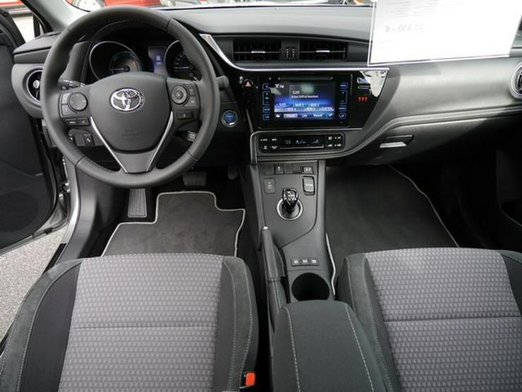 Bild 2: TOYOTA Auris 1,8 Hybrid Style Selection