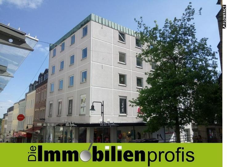Großzügige sanierte Innenstadtwohnung mit Dachterrasse und Garage im Zentrum von Hof