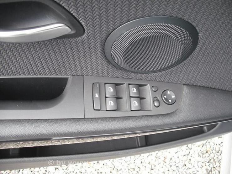 Bild 16: BMW 318d touring *NAVI*PANO*BI-XENON*Shzg*TÜV NEU*