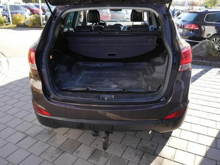 Bild 5: HYUNDAI ix35 2.0 CRDI DPF 4WD STYLE * AUTOMATIC * LEDER * AHK * NAVI * RÜCKFAHRKAMERA * SHZG VORN &