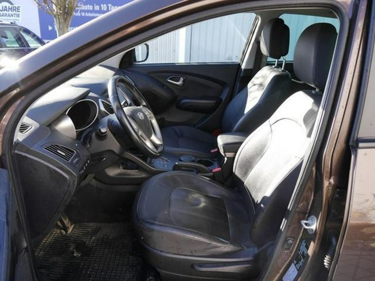 Bild 4: HYUNDAI ix35 2.0 CRDI DPF 4WD STYLE * AUTOMATIC * LEDER * AHK * NAVI * RÜCKFAHRKAMERA * SHZG VORN &