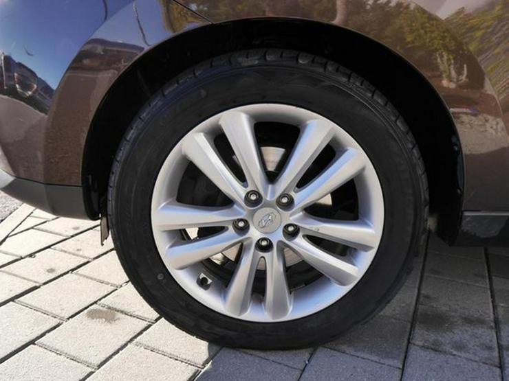 Bild 3: HYUNDAI ix35 2.0 CRDI DPF 4WD STYLE * AUTOMATIC * LEDER * AHK * NAVI * RÜCKFAHRKAMERA * SHZG VORN &