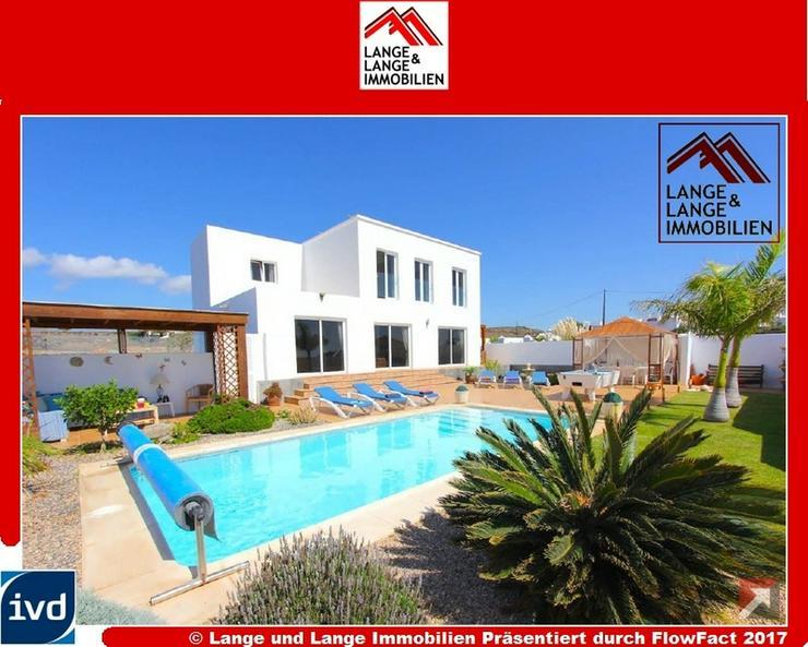 Lanzarote - Macher - Ein Traum - neuwertige Landvilla mit Pool und Panoramablick - Spanien...