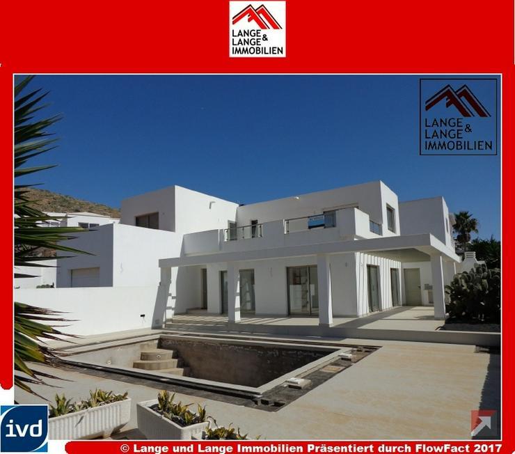 Lanzarote - Nazaret - moderne Neubauvilla mit Panoramablick in Hanglage - Spanien Immobili...