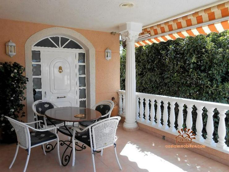 Bild 2: Villa in Benferri