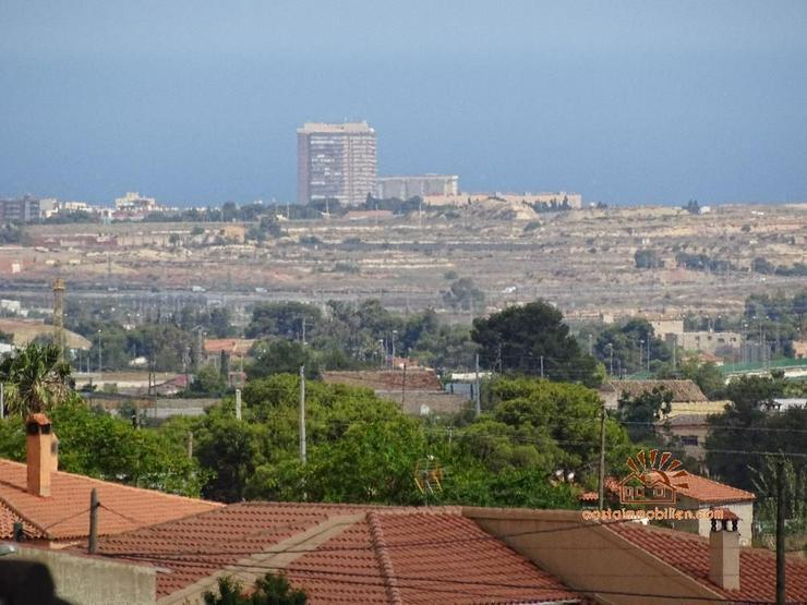 Bild 2: Nochmalige Preisreduzierung!!! Aus Krankheitsgründen!! Landhaus in Alicante-Moralet mit v...