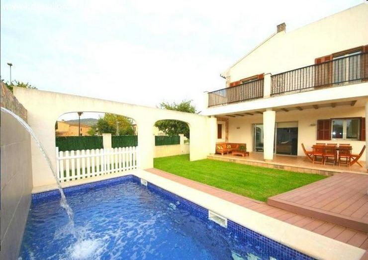 : Modernes und gepflegtes Chalet mit Pool in Son Carrió