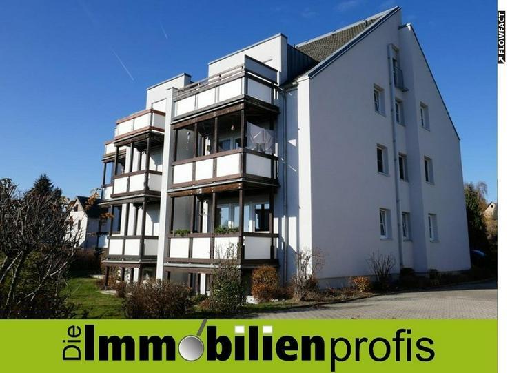 Hof ? 4 km: Attraktive 3 Zimmer-Eigentumswohnung mit zwei Balkonen und Garage