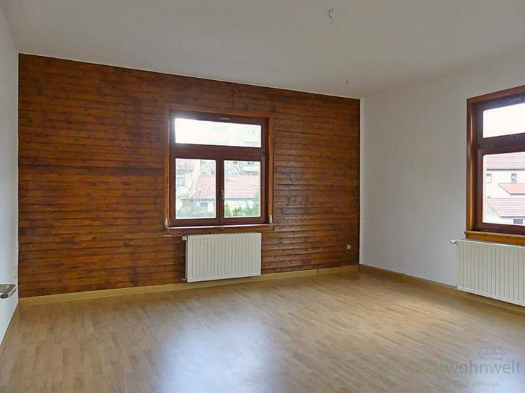 (13646_01) Meiningen: teilsanierte 4-Zimmer-Wohnung in der Henneberger Straße, Laminatbö...