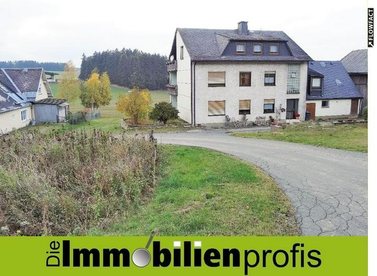 1-2 Familienhaus mit Werkstatt und Scheune in einem Ortsteil von Helmbrechts