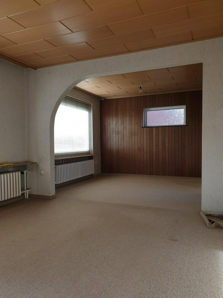 Bild 6: **Siedlungshaus am Stadtrand in ruhiger Lage**