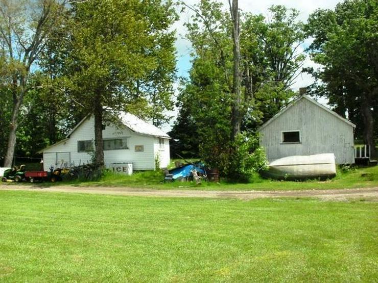 Bild 3: Natur Pur., ca. 50.000 qm Grundstück mit 8 Häuser direkt am See zu verkaufen!