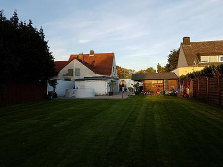 FRISCH SANIERTE MIT GROßEM GARTEN (ERBBAU) - Haus kaufen - Bild 1