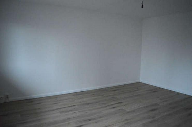 Bild 4: Helle modernisierte drei Zimmerwohnung
